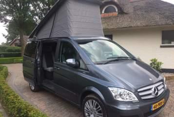 Wohnmobil mieten in Rotterdam von privat | Mercedes Benz Viano Mercedes Westfalia