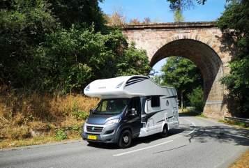 Wohnmobil mieten in Gieten von privat | Knaus Traveller Carolien