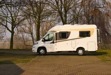 Wohnmobil mieten in Duisburg von privat   Carado  Hanti 2 T135