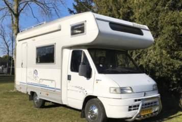 Wohnmobil mieten in Helmond von privat | Fiat Ducato Arnold