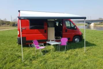 Wohnmobil mieten in Bückeburg von privat | Roadcar  Roter Blitz