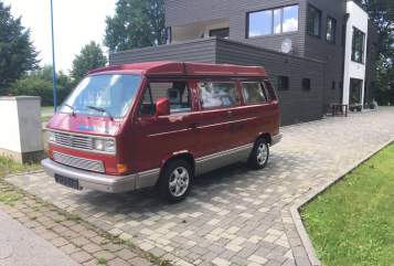 Wohnmobil mieten in Mannheim von privat | VW Red Chili