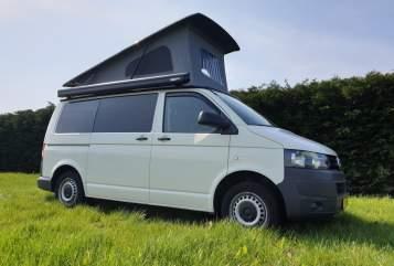 Wohnmobil mieten in Dongen von privat | Volkswagen  VW T5 2 pers