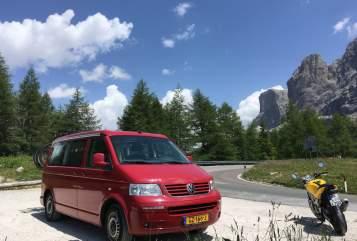 Wohnmobil mieten in Amsterdam von privat | VW The Red Dream