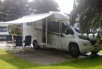 Wohnmobil mieten in Dortmund von privat | Carado Svart