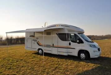 Wohnmobil mieten in Weener von privat   AdriaSun Living Lido M50SL Familliencamper