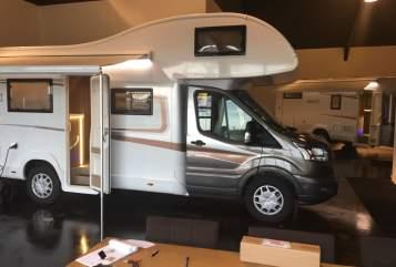 Wohnmobil mieten in Harderwijk von privat | Roller Team Roller Team A01