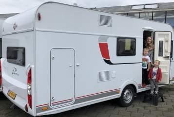 Wohnmobil mieten in Huis ter Heide von privat | Burstner The Zephyr