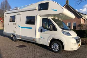 Wohnmobil mieten in Staphorst von privat | MC Louis Familie Camper