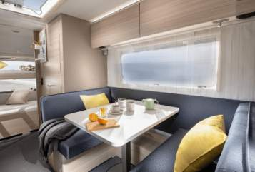 Wohnmobil mieten in Berlin von privat | Adria Top-Neuer-Adria