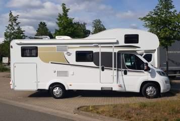 Wohnmobil mieten in Bergisch Gladbach von privat | Carado Wohniges Mobil