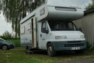 Wohnmobil mieten in München von privat | Dethleffs Hugomobil
