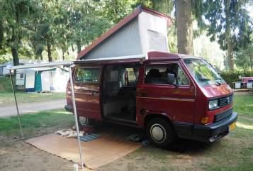 Wohnmobil mieten in Helmond von privat | Volkswagen Kweens