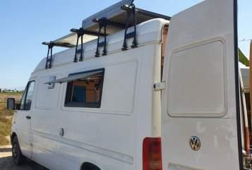 Wohnmobil mieten in Hernals von privat | VW Walter White