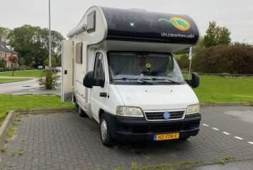 Wohnmobil mieten in Utrecht von privat   McLouis Aysha