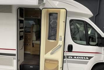 Wohnmobil mieten in Ysselsteyn von privat | Adria Adria 600 SC