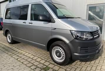Wohnmobil mieten in Cremlingen von privat | VW Achilles