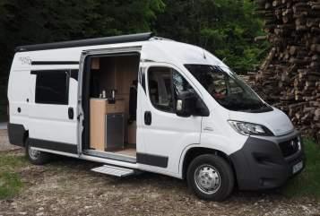 Wohnmobil mieten in Seeon-Seebruck von privat | RoadCar RoadRunner