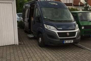 Wohnmobil mieten in Böblingen von privat | Pössl Roadcar Pössl R 640