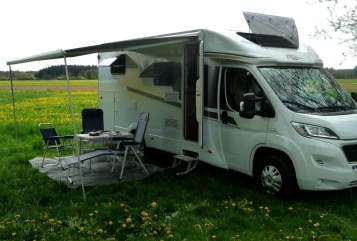 Wohnmobil mieten in Denzlingen von privat | Carado Bobbele