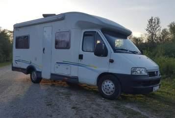 Wohnmobil mieten in Augsburg von privat | Fiat Chausson Camping mit Hund