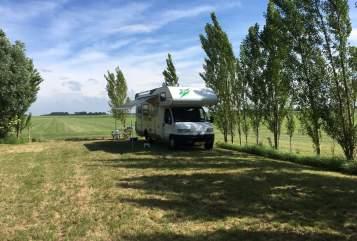 Wohnmobil mieten in Schiedam von privat   Knaus traveller 99 Knaus traveller 99 HFG685