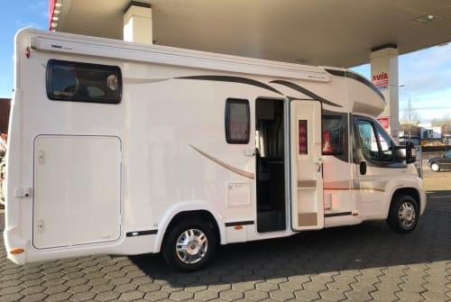 Wohnmobil mieten in Almere von privat   Benimar  Vrijheid