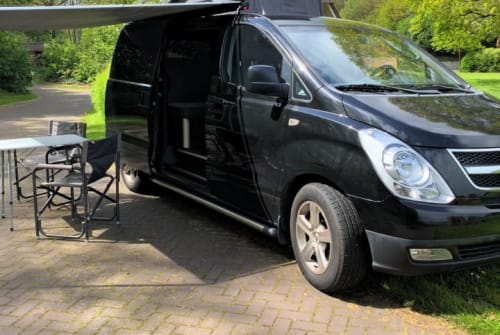 Wohnmobil mieten in Hoogeveen von privat   Hyundai Black Beauty