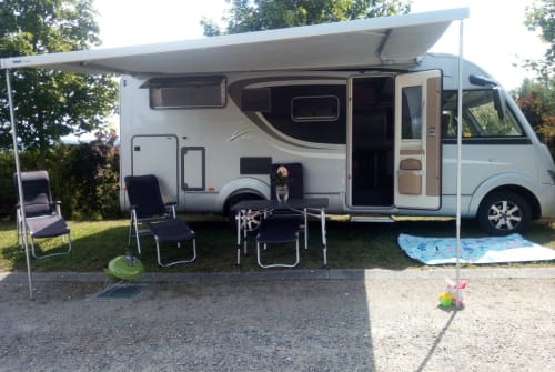 Wohnmobil mieten in Hinzenbach von privat | Bürstner Camperfun