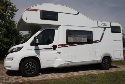 Wohnmobil mieten in Weitendorf von privat   LMC Breezer Womo