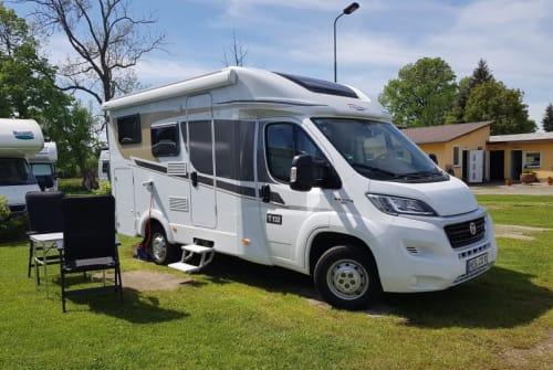 Wohnmobil mieten in Henfenfeld von privat | Carado HeinoMobil