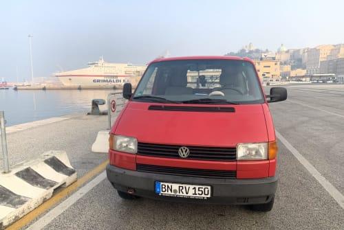 Wohnmobil mieten in Spata von privat | Volkswagen T4 Leonidas