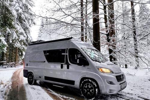 Wohnmobil mieten in München von privat | 2019 Fiat Ducato - 4Elements ICE BEAR