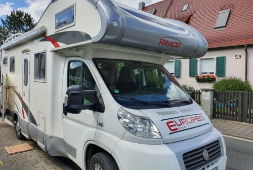 Wohnmobil mieten in Erlangen von privat | rimor  Deluxe