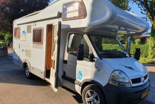 Wohnmobil mieten in Teteringen von privat   Knaus  VIP Traveller