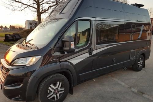 Wohnmobil mieten in Offenburg von privat | Knaus Solar-TV-AHK +