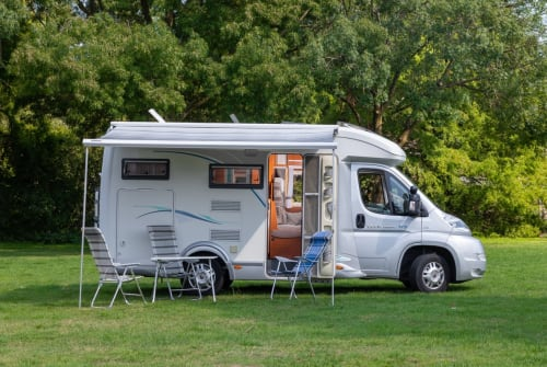 Wohnmobil mieten in Tilburg von privat | Chausson Comfort op 5m99