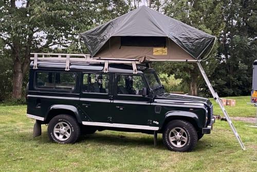 Wohnmobil mieten in Kamerik von privat | Land Rover Defender 110 *