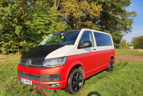 Wohnmobil mieten in Erlangen von privat | VW Bulli Rot Weiß