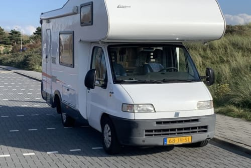 Wohnmobil mieten in Katwijk von privat | Eifelland Hangover