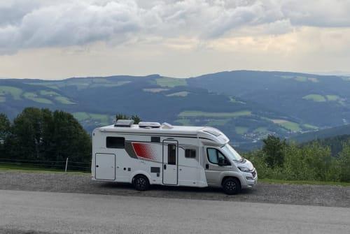 Wohnmobil mieten in Prellenkirchen von privat | Bürstner The Flandrien