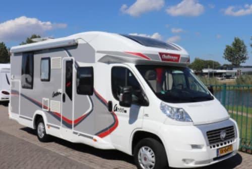 Wohnmobil mieten in Gouda von privat   fiat ducato luxe queensbed