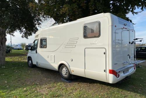 Wohnmobil mieten in Lübbecke von privat | Hymer 674 CL bianko Line Bianko