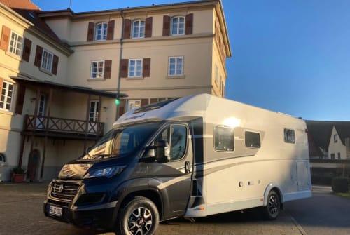 Wohnmobil mieten in Sinsheim von privat | Sunlight Black Beauty