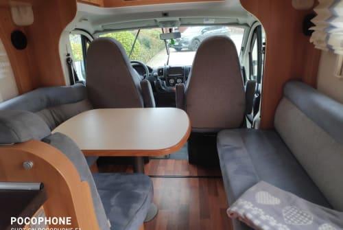 Wohnmobil mieten in Brüggen von privat   Hymer HymerT614 CL2x2