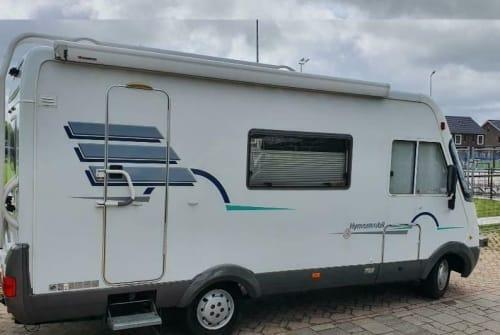 Wohnmobil mieten in Laren von privat | Hymer Carpe Diem