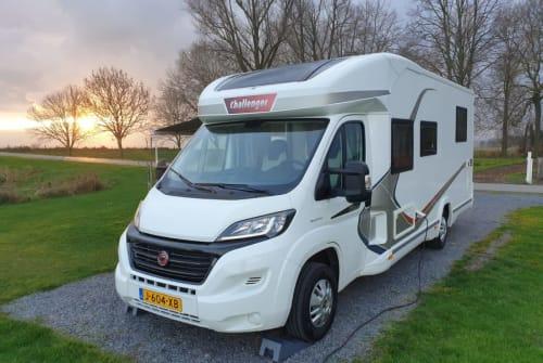 Wohnmobil mieten in Nieuwerkerk aan den IJssel von privat | Challenger Challenger