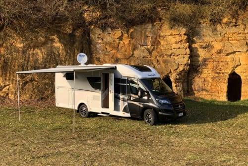 Wohnmobil mieten in Neumarkt in der Oberpfalz von privat   Sunlight Blacky XV 68