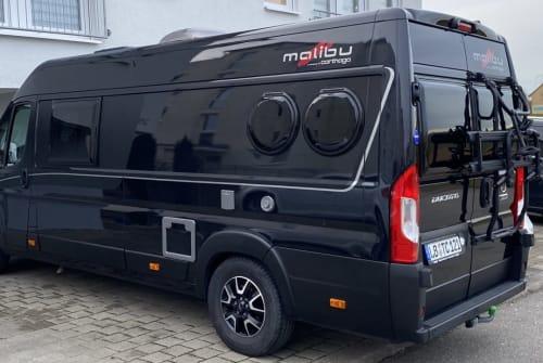 Wohnmobil mieten in Marbach am Neckar von privat   Carthago Malibu 640 LE BlackVan