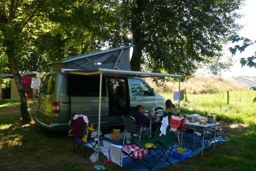 Wohnmobil mieten in Freudenberg von privat | VW California Comfortline Der grüne Bus